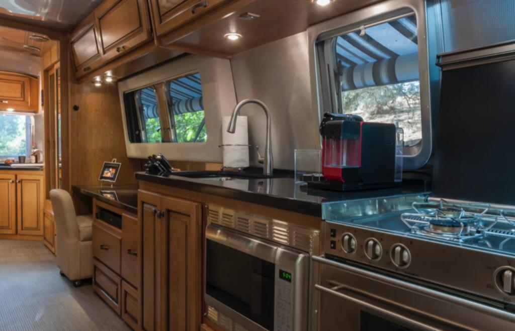 2018 Airstream Classic 33 RV.