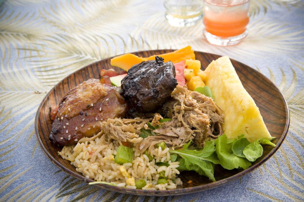 A dinner plate at a Hawaiian luau.