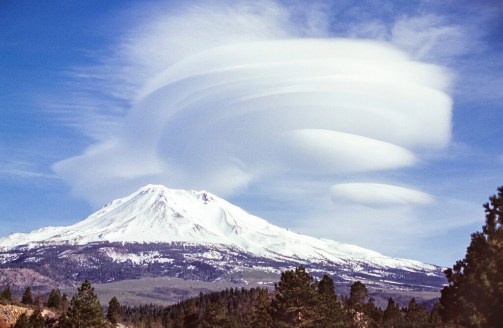 A dramatic cloud formation over mount shasta in california
