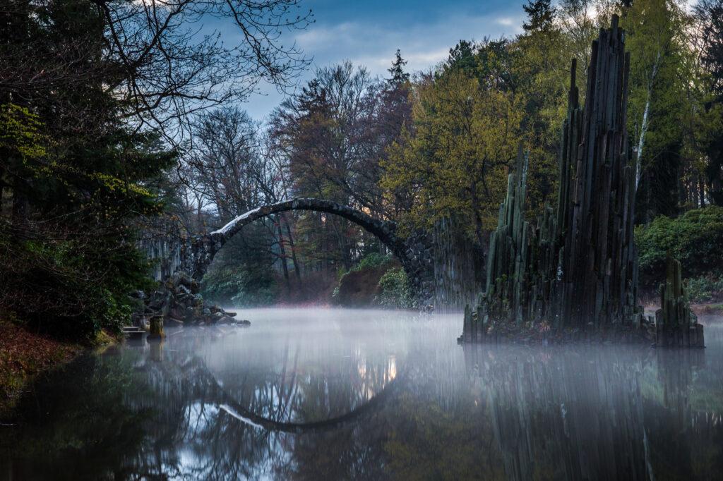 A foggy evening at Rakotzbrucke.