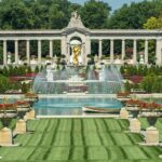 A fountain and manicured lawn at Nemours Estate.