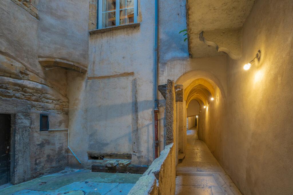 A hidden passageway in Le Vieux de Lyon.