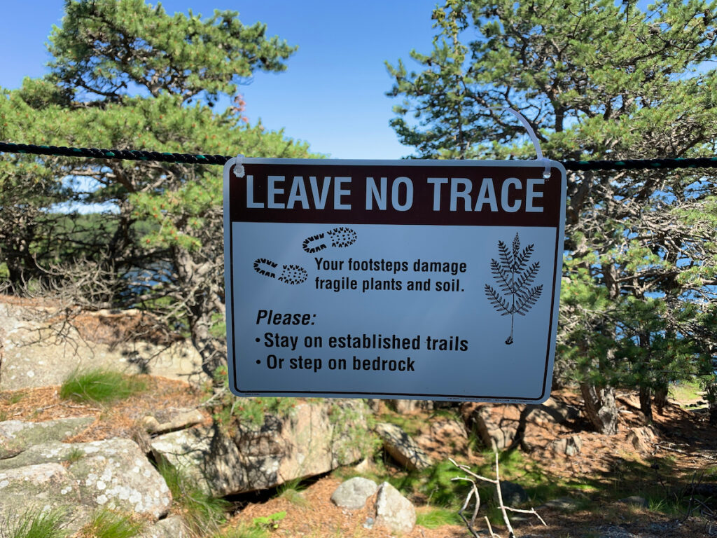 """A """"leave no trace"""" sign in a national park."""