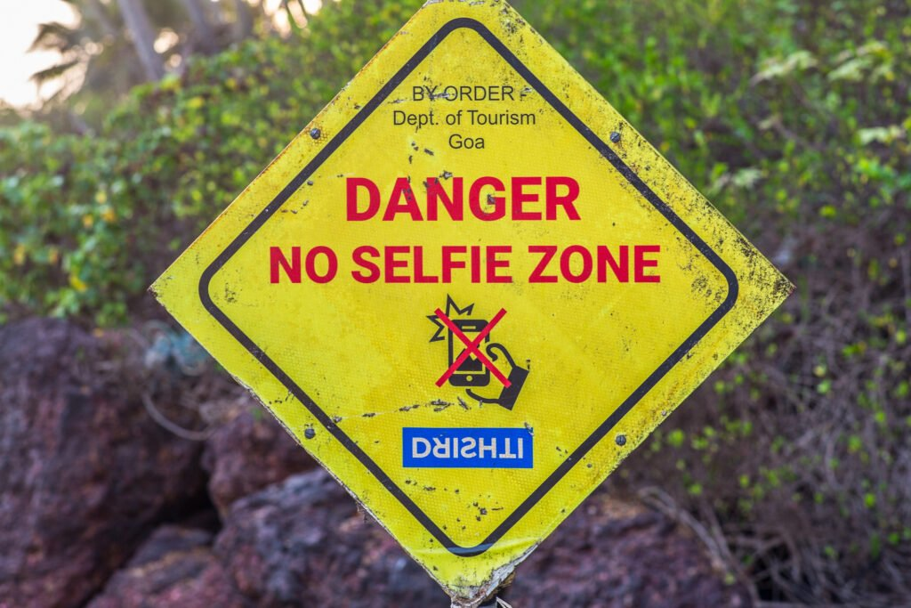 """A """"no selfie zone"""" sign in India."""
