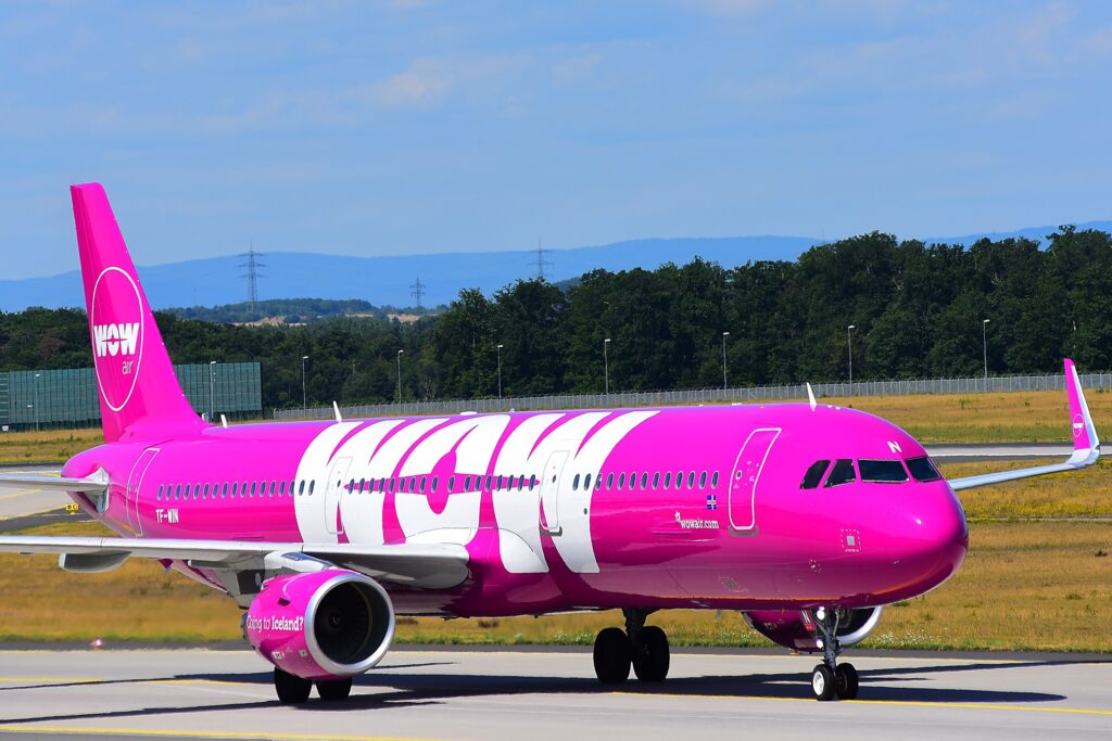 A plane from WOW Air.