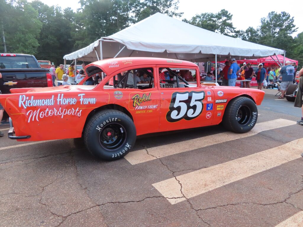 A race car at Dixie Speedway.