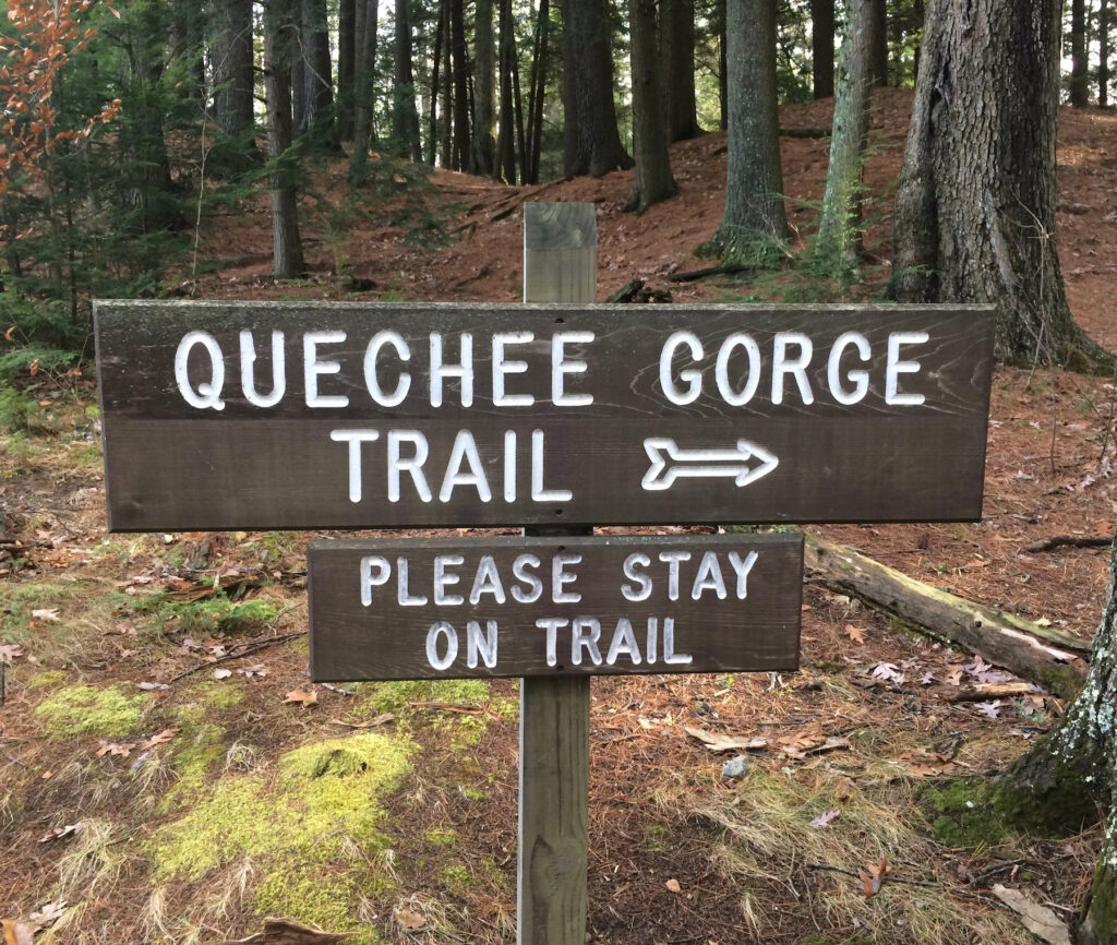 A sign for the Queechee Gorge Trail in Vermont.