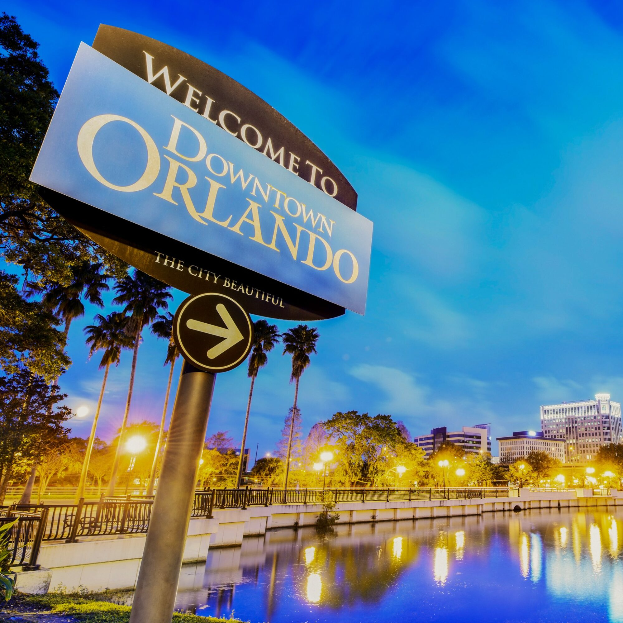 A sign pointing to downtown Orlando, Florida.