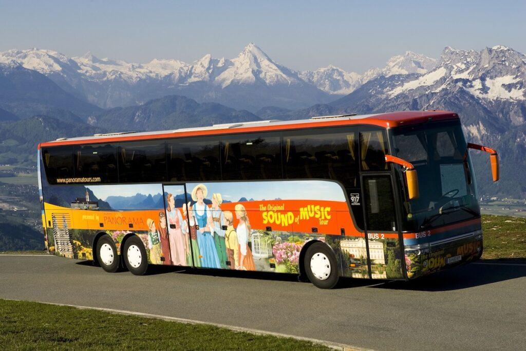 A Sound of Music bus tour in Sazlbury.