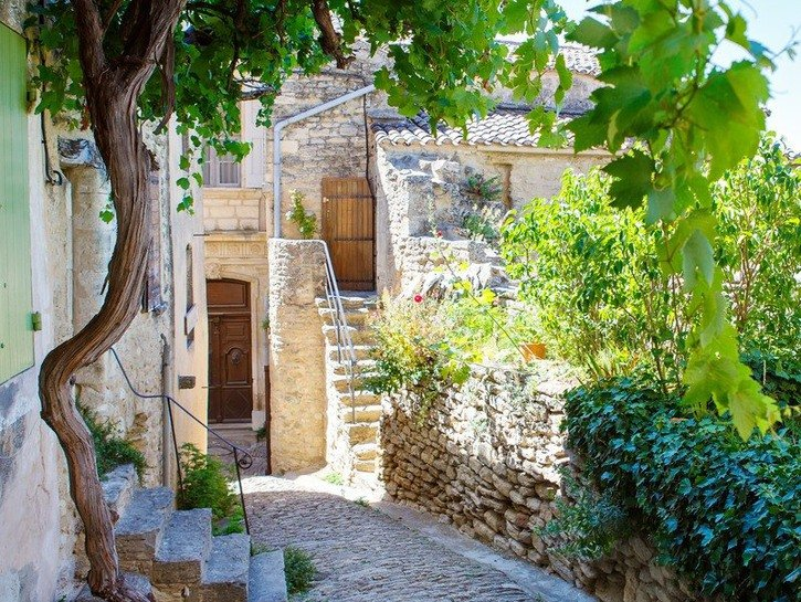 A street in the quaint village of Gordes in Province, France.