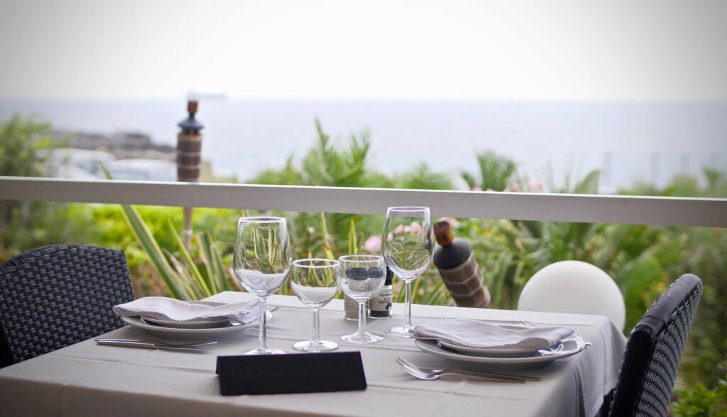 A table at Mar do Inferno in Cascais.