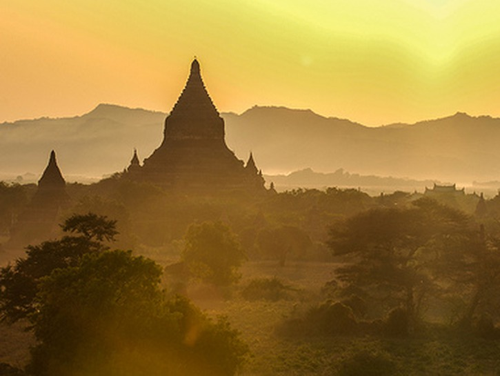 A temple of Bagan at sunrise