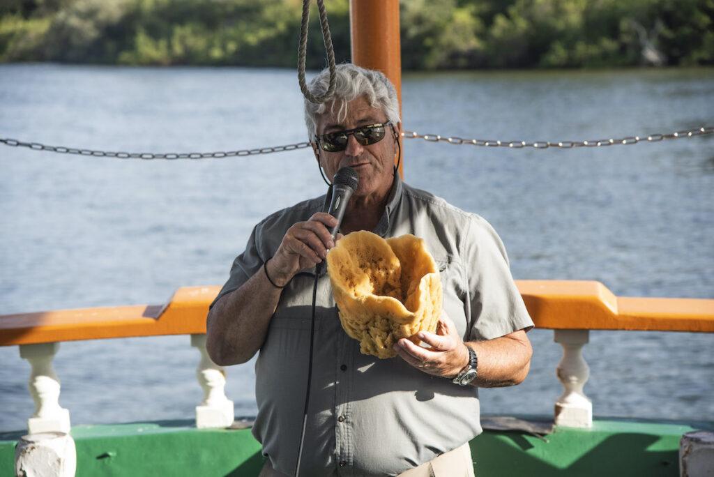 A tour guide with a sponge.