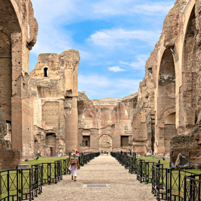 A tour of the Roman Baths in Italy.