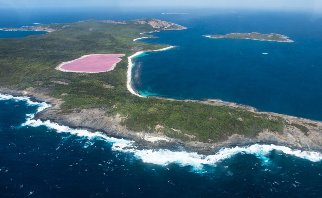 Aerial view of Lake Hillier.