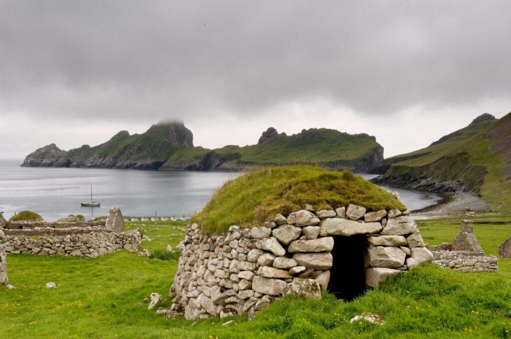 An abandoned hut on Hirta.