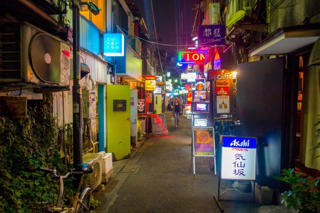 An alley in Golden Gai.