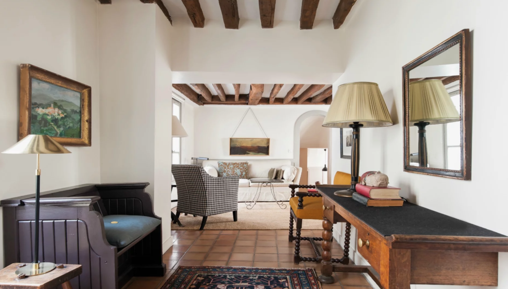 An apartment rental from Paris Perfect.