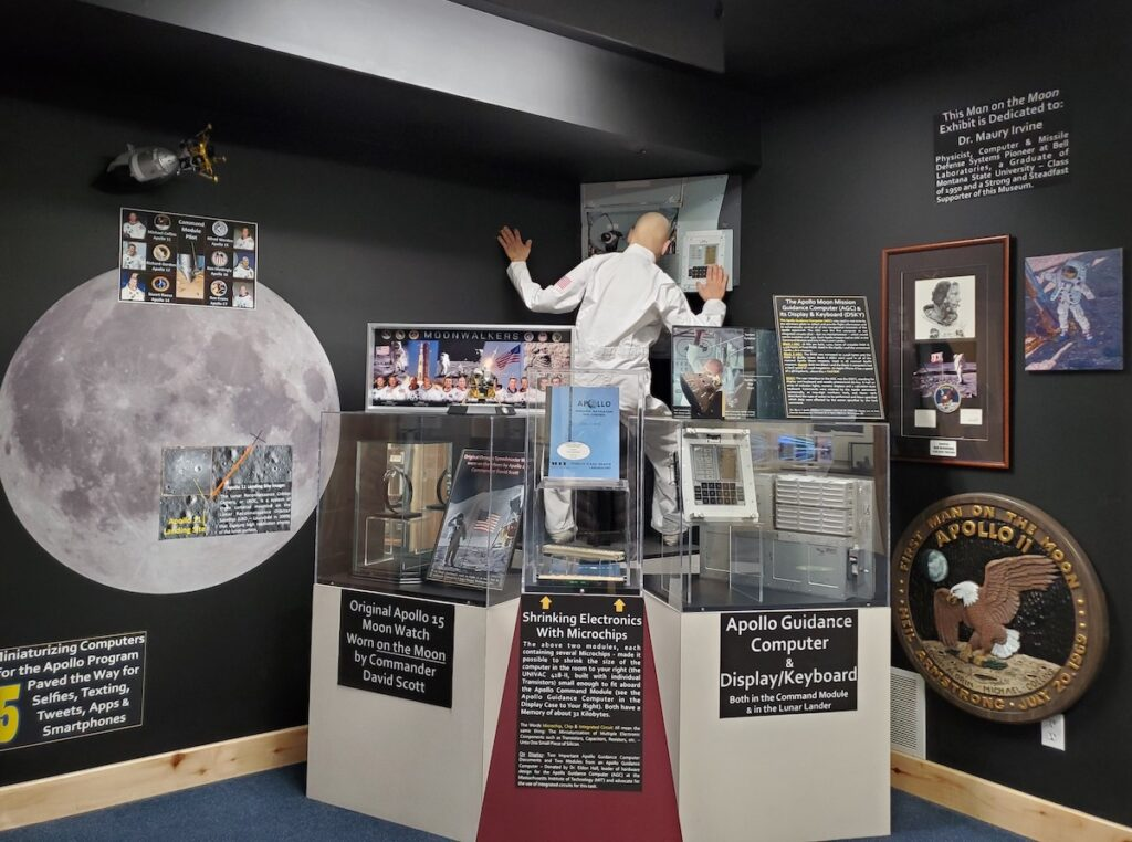 An exhibit at the American Computer and Robotics Museum.
