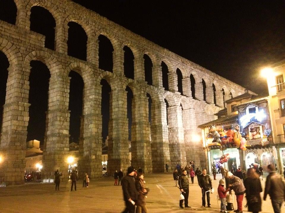 Aqueduct of Segovia at night