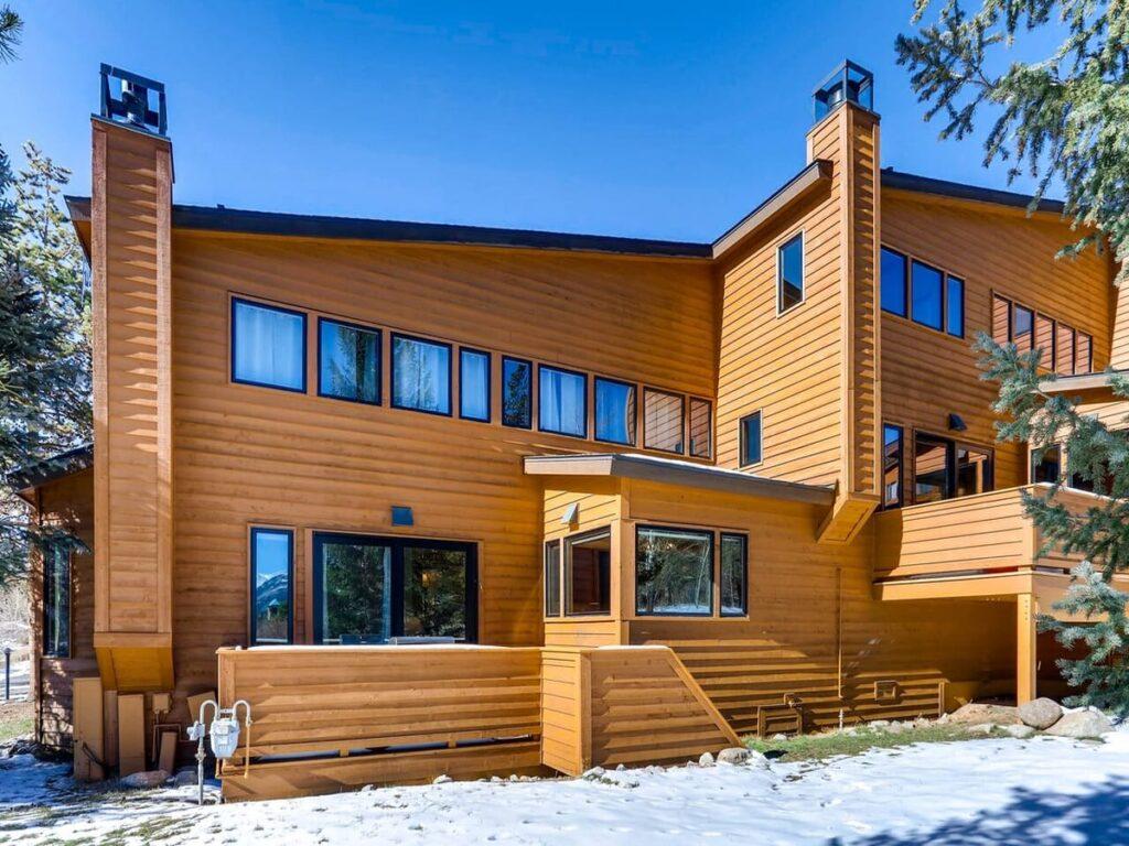 Aspen Ridge Condominiums in North Keystone.