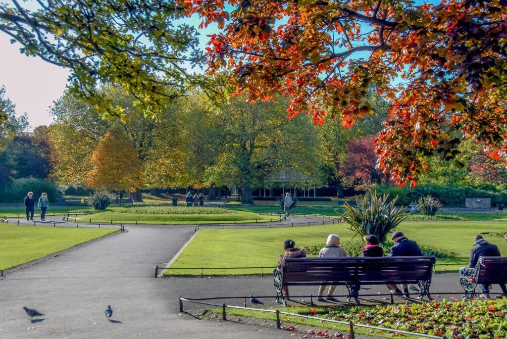 Autumn in Dublin's Saint Stephen's Green Park.