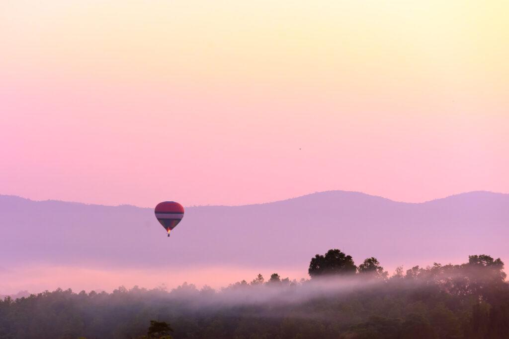 balloon over albuquerque