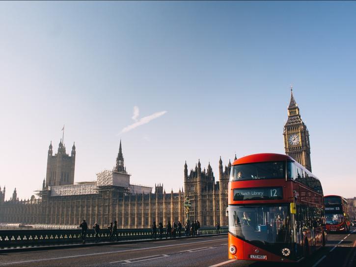Big Ben parlaiment double-decker London