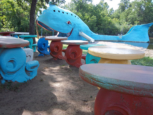 Big blue whale statue and picnic area, Oklahoma