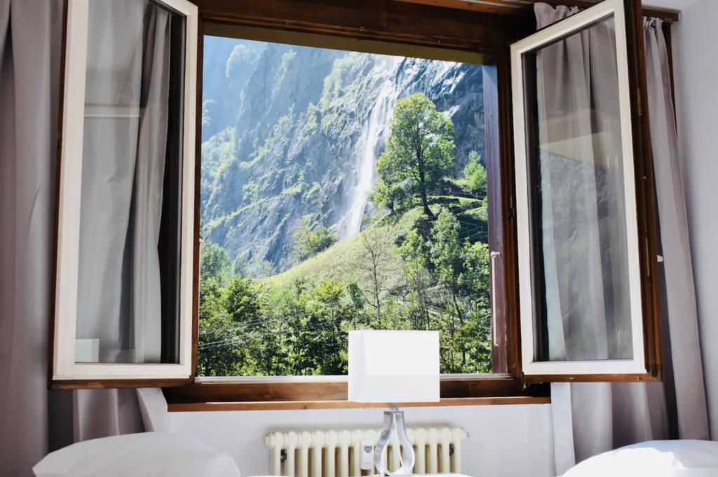 Breathtaking Waterfall View Apartment in Lauterbrunnen, Switzerland