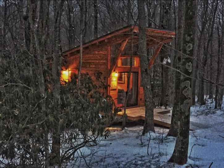 Cabin in winter at Blue Bear Mountain, North Carolina
