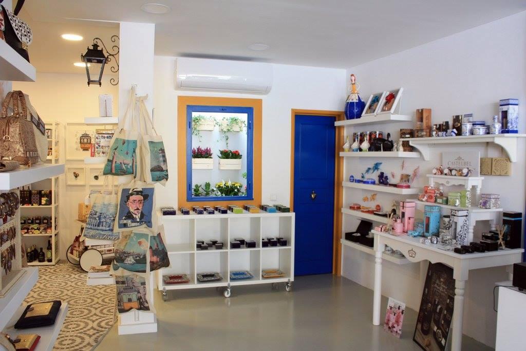 Cais 16 Craft Gallery in Cascais.