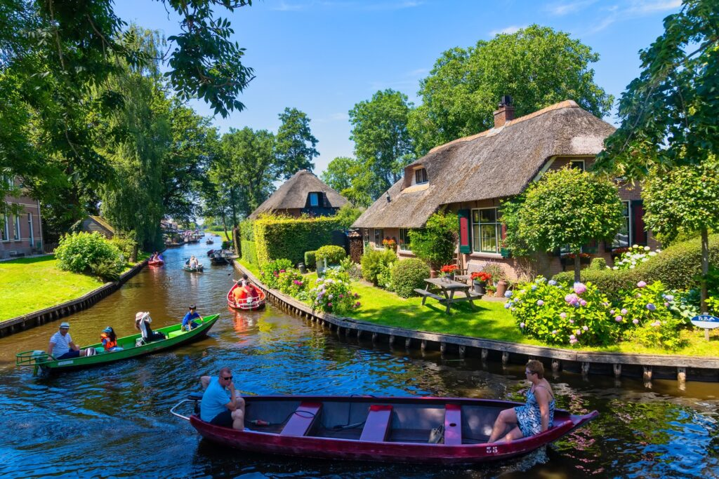 Canals in Giethoorn.
