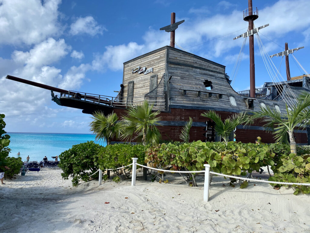 Captain Morgan's On The Rocks Bar in Half Moon Cay.