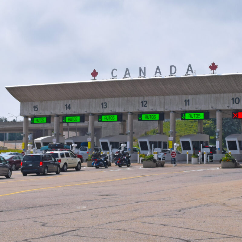 Cars at the Canadian border leaving the U.S.