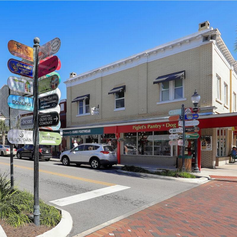 Downtown Streets of Mount Dora, Florida.