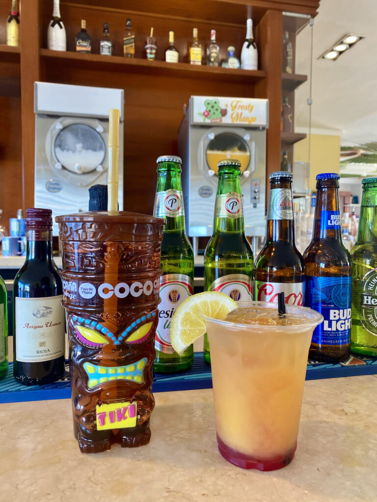 Drinks at the Coco Cana Lounge in Amber Cove.