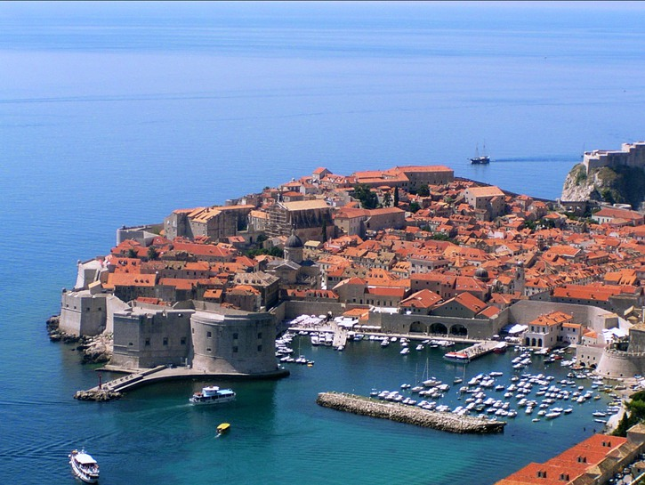 DUbrovnik harbor seen from above