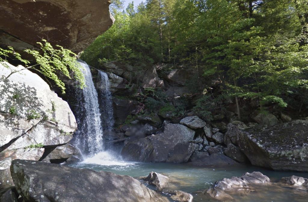 Eagle Falls in Cumberland Falls State Park, Kentucky.