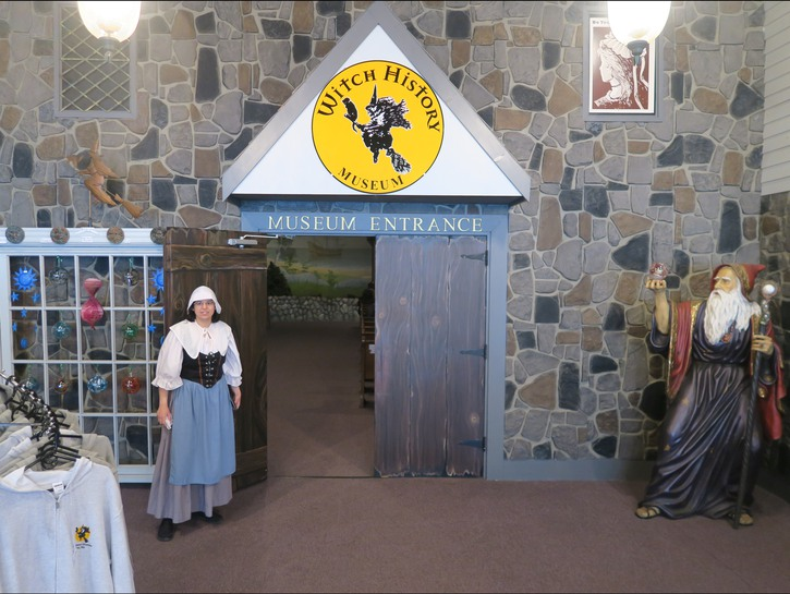 Entrance to Salem's Witch History Museum with gift shop