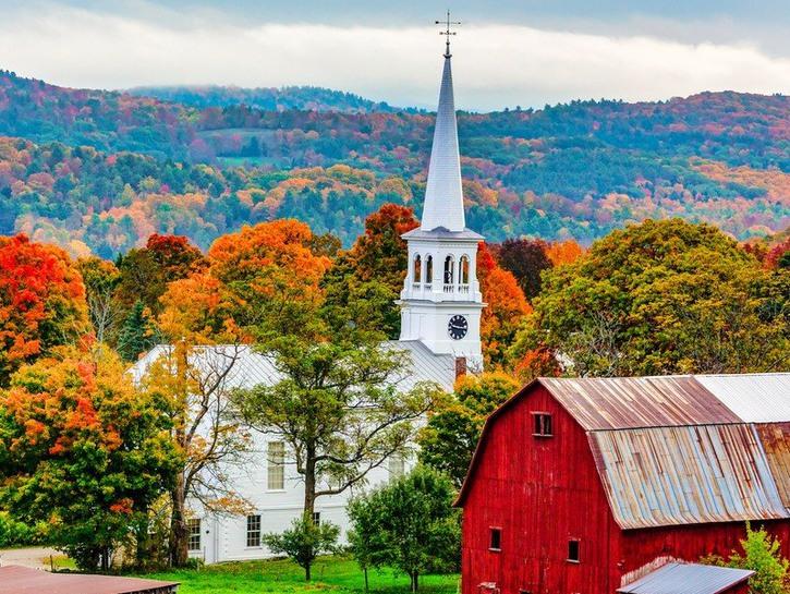 Fall foliage of Woodstock, VT