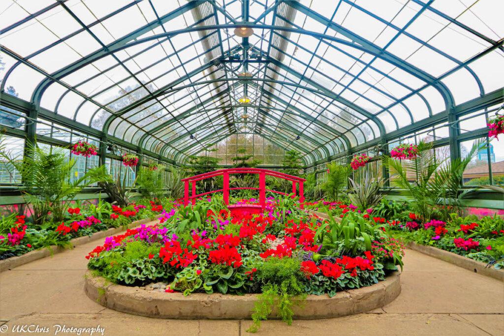 Floral Showhouse, Niagara Falls, Ontario, Canada.