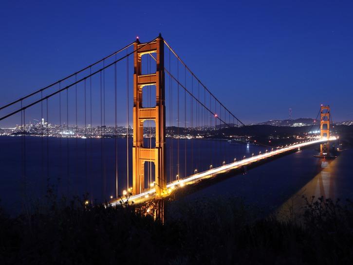 Golden Gate Bridge by night.