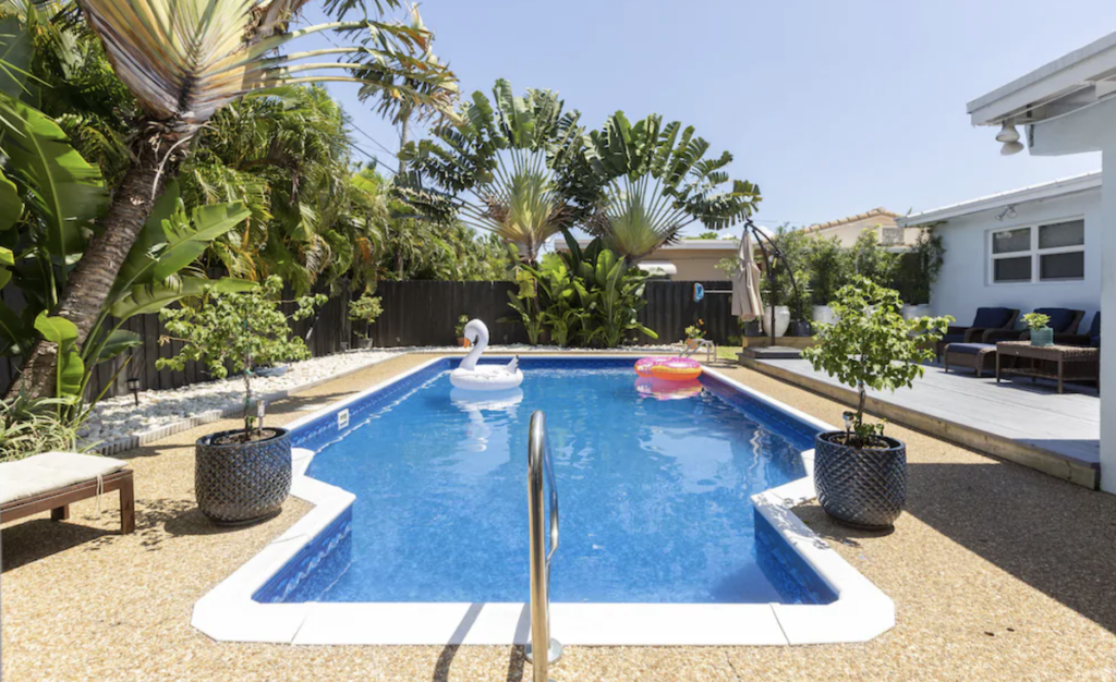 Gorgeous modern pool house.