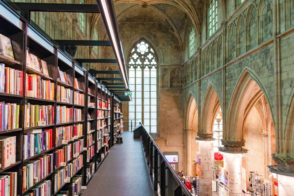 Inside Boekhandel Dominicanen.