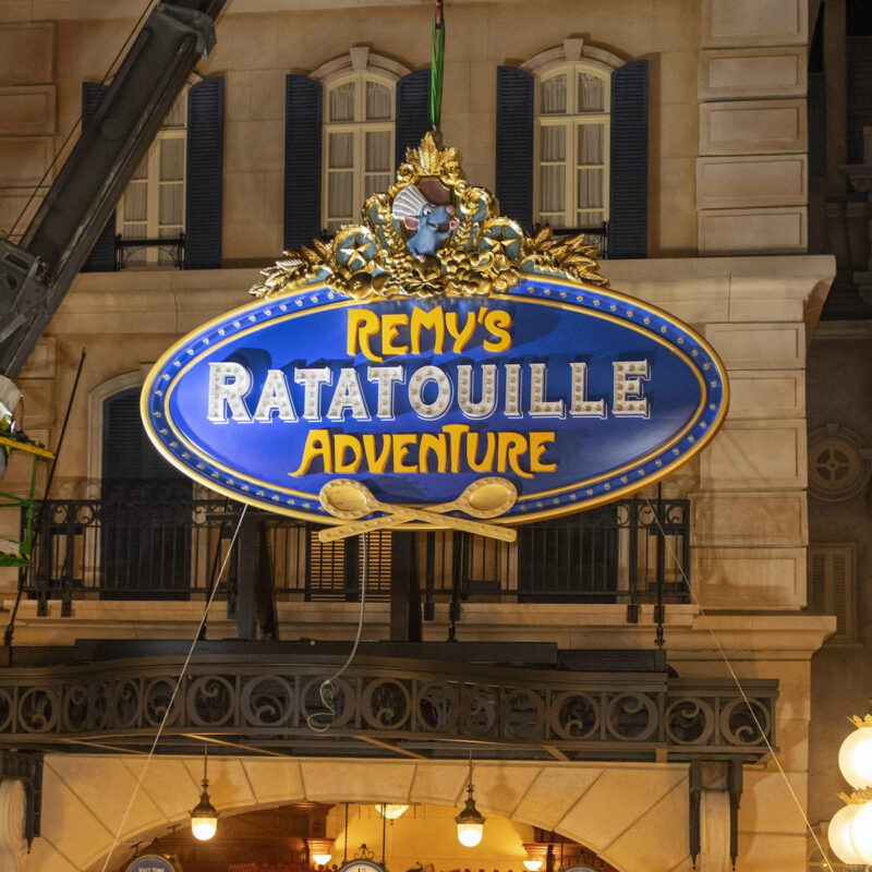 Installing the marquee, Remy's Ratatouille Adventure.