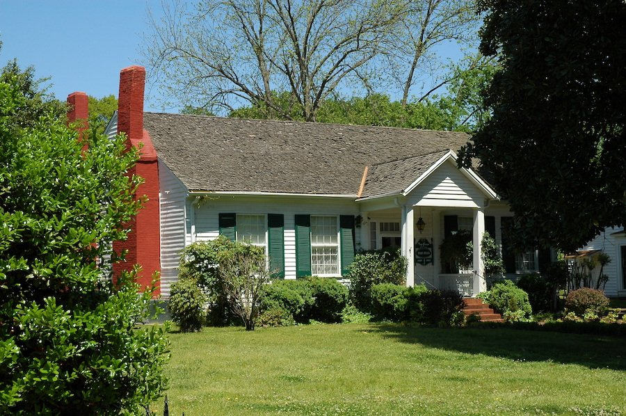 Ivy Green, the birthplace of Helen Keller in Alabama.