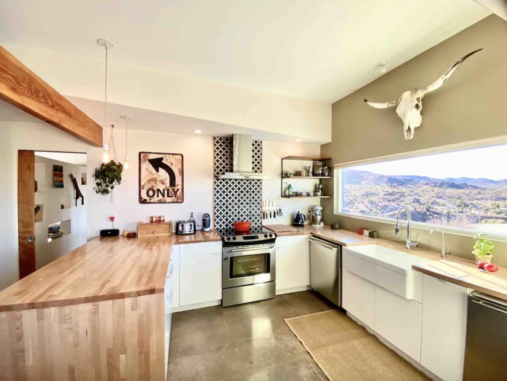 Kitchen of Flamingo Rocks Airbnb near Joshua Tree.
