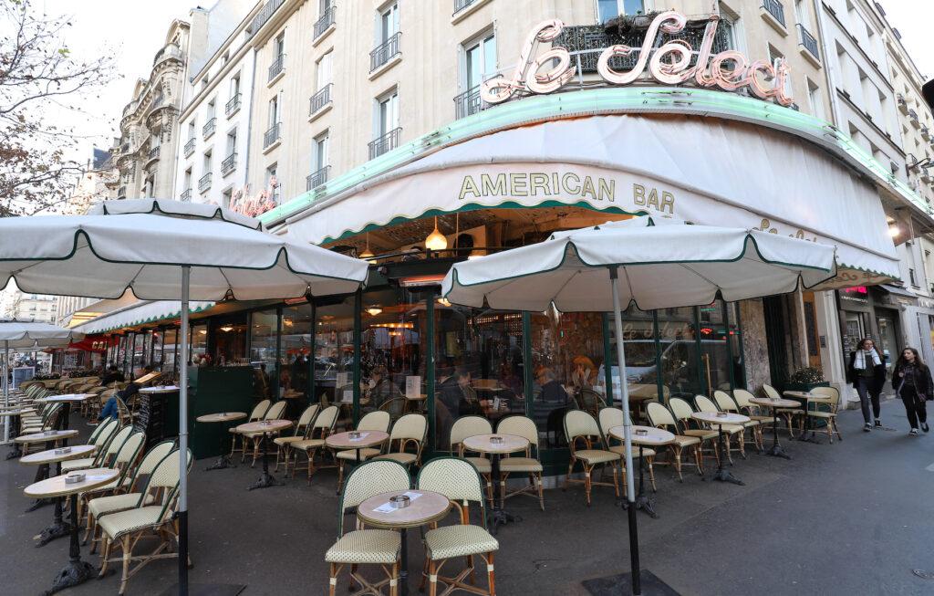 Le Select in Paris.