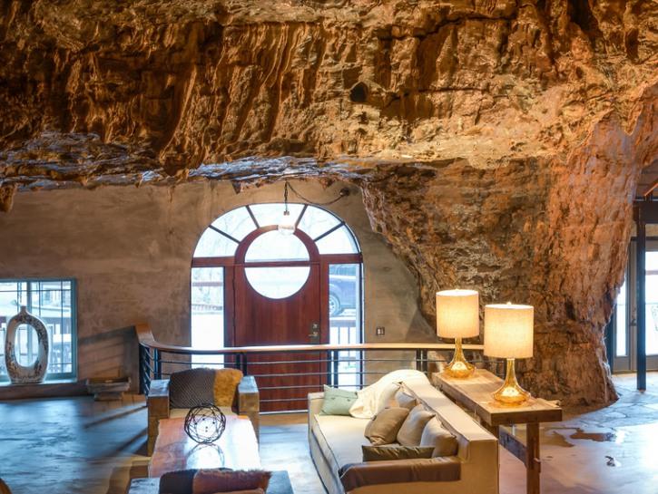 Living room of Beckham Creek Cave